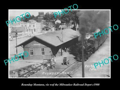 OLD LARGE HISTORIC PHOTO OF ROUNDUP MONTANA, THE RAILROAD DEPOT STATION c1900