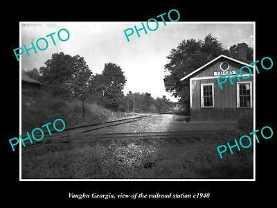 OLD LARGE HISTORIC PHOTO OF VAUGHN GEORGIA, THE RAILROAD DEPOT STATION c1940