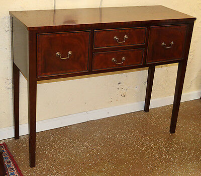 Gorgeous Simple Sheraton Banded Mahogany Petite Sideboard Console Server MINT