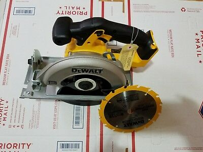 NEW Dewalt DCS393B 20-Volt Max 6-1/2 in. Cordless Circular Saw with blade.