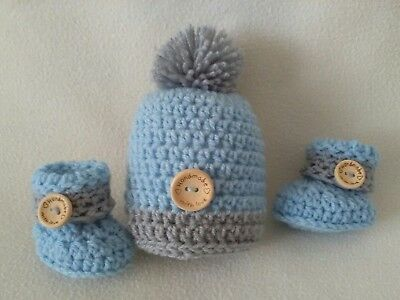3e6f3956bb2 HAND CROCHET NEWBORN baby boys pompom hat   cuffed booties set - £5.25