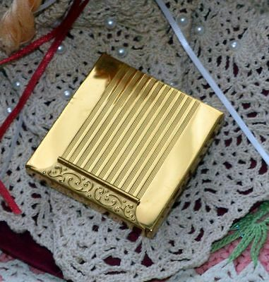 Collectible Vintage / Retro GoldTone  Avon Deluxe Loose Powder Compact