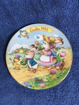 """""""Easter Parade"""" - 1993 Avon Collector Easter Plate"""