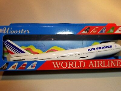 Wooster Model (W235) Air France 747-200 1:250 Scale Plastic Snapfit Model