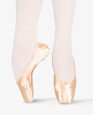 Chacott Veronese Pointe Shoes Size 22 C H Arts and Crafts, Decorating
