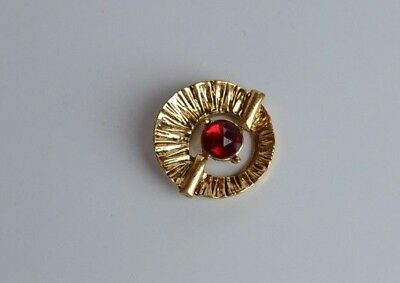 Vintage textured gold tone modernist abstract Scarf Clip red plastic cabochon