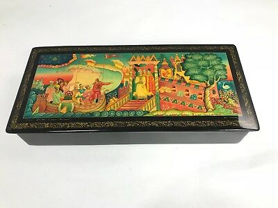 EXCELLENT QUALITY LARGE RUSSIAN LACQUER BOX Circa 1975