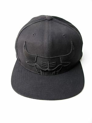 Snapback Cap Baseball Hat Chicago Bulls Logo Mitchell & Ness Black on Black