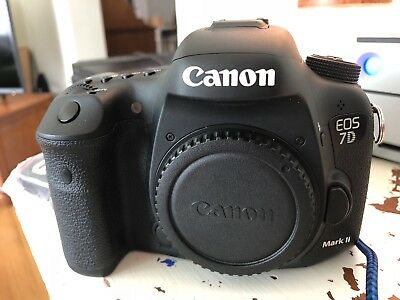 Canon EOS 7D Mark II (Body Only) - Excellent condition, low shutter count