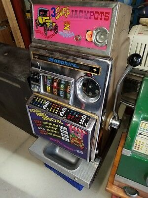 Aristocrat Sapphire Four Reel Special 10 cent dime Slot Machine 1950's-60's