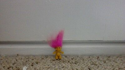 Troll Russ mini doll pink hair (vintage)