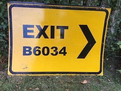 """EXIT RIGHT"" Traffic Control Management Road Sign"