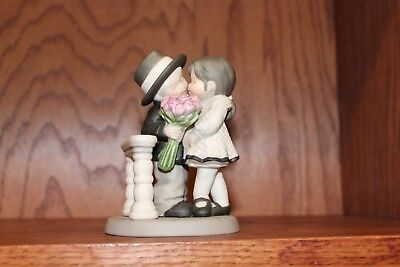 Kim Anderson Figurine 472387 ~ One of Life's Sweetest Moments is Loving You VG!