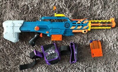 NERF N-STRIKE ZOMBIE STRIKE LONGSHOT CS-6 Upgraded Sight 2 Clips Barrel 12 Darts