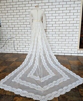 Vintage 1950s Deadstock Ivory Lace Wedding Dress with Train size XS petite