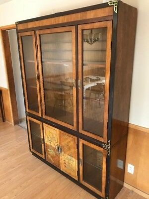 Beautiful Hutch with 5 glass doors