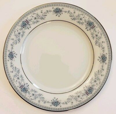 Noritake BLUE HILL #2482 Contemporary Fine China - 10 1/2 inch DINNER PLATE