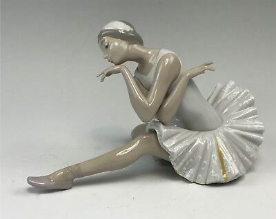 Retired Lladro Figurine, Death of the Swan #4855 Ballerina