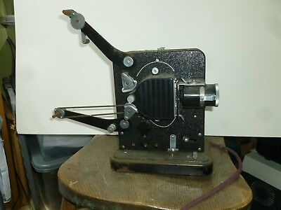 Eumig 9.5mm movie projector with bulb