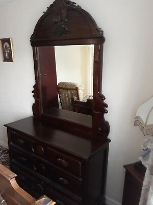 Antique dressing table/Drawers and mirror. Excellent condition