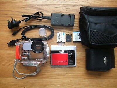 FujiFilm FinePix Z200fd 10MP Camera & WP-FXF100 Underwater Housing Dive Bundle