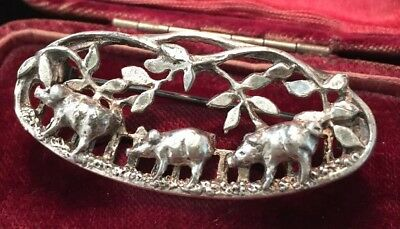 Vintage jewellery adorable three little pigs in a row brooch