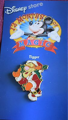 Disney Store TIGGER CHRISTMAS WREATH Pin - Retired Pins