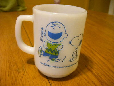 1958 Fire King Peanuts Schulz Charlie Brown Snoopy Peanuts Coffee Cup Mug Toy