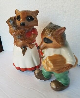 Vintage 1981 GOEBEL RINGTALE RACCOONS  LOT of 2 Mother & Baby Figurine & Apples