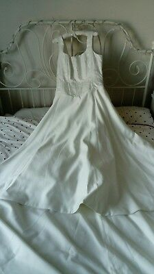 Alfred Angelo Ivory Wedding Dress Size 14 square neck straps