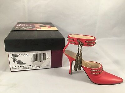 Just the Right Shoe Lady In Red 25313 Raine Willitts