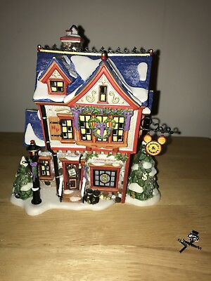 Dept 56 Scrooge McDuck & Marley's Counting House 56900 North Pole Series