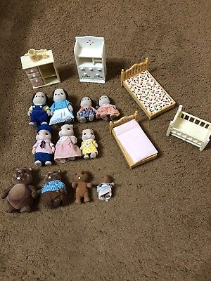 SYLVANIAN CALICO CRITTERS BEAVER   FAMILY X4, Dogs X4, Hamster X3 + Furniture X5