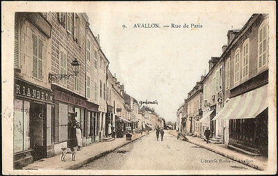 AVALLON (89) - Rue de Paris