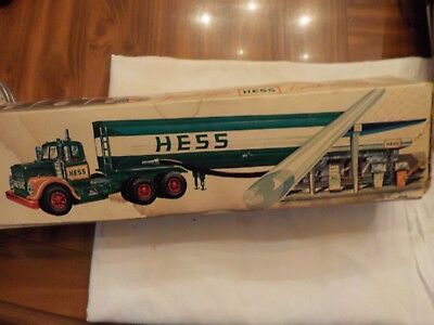 Vintage Hess Gasoline Fuel Oil Tanker Green Yellow And Red