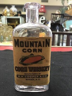 W.W. Cooper & Co Marion N.C. Mountain Corn Whiskey Whisky Cork Top Bottle NR