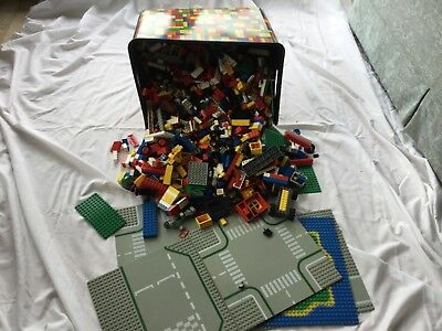 Job Lot Of Lego Pieces & Boards (6kgs +++) In Plastic Container with Lid