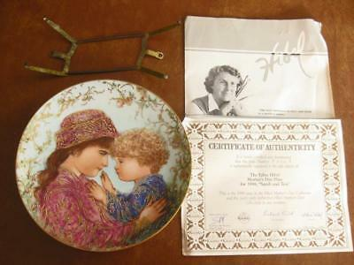 EDNA HIBEL - Mothers Day Plate - 1988 - Sarah and Tess- w Holder & Certificate
