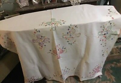 """Vintage tablecloth with pattern hand sewn  embroidery Of Baskets Of Flo44""""sq"""