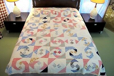 "OUTSTANDING Vintage Antique Feed Sack Hand Sewn SNAIL TRAIL Quilt; 84"" x 76"""