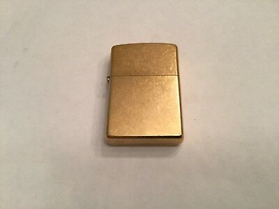 ESTATE RARE VINTAGE ZIPPO 18k GOLD PLATED LIGHTER NEVER USED NEAR MINT AS FOUND