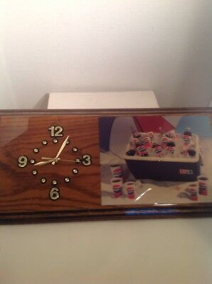 VINTAGE Pepsi Cola Wall Clock Quartz Battery Operated Wood Excellent Condition