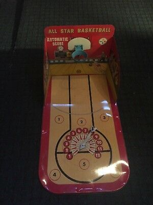 VINTAGE COLLECTIBLE TOY MARX TOYS  TIN AUTOMATIC SCORE BASKETBALL 1950s?