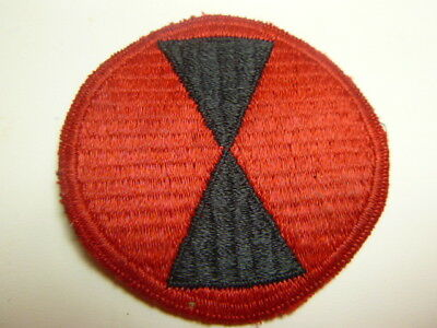 A     WW 2 U S Army 7th Division No Border Ribbed Cut Edge Snow Back Patch