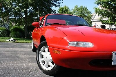 "1990 Mazda MX-5 Miata Refer to invoice Miata 1990 Mazda ""Always Garaged"" ""Never Used in Inclement Weather"""