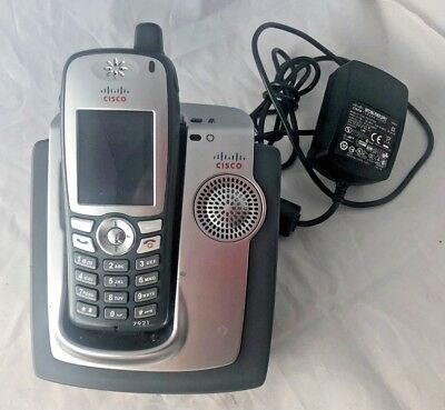 Cisco Wireless IP Phone with Cradle CP-DSKCH-7921G Charger & Phone