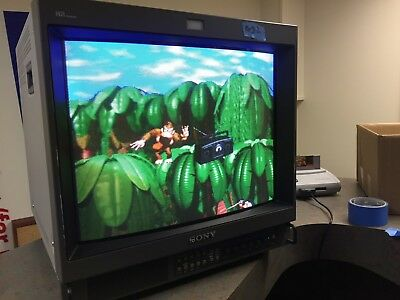 Sony Trinitron Color Video Monitor PVM-20M4U Great Retro Gaming Monitor
