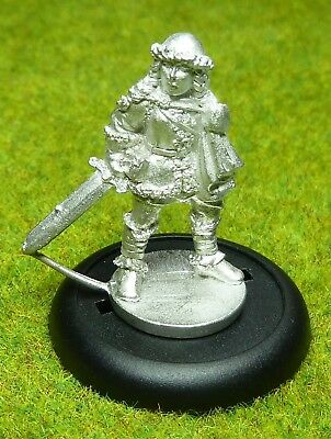 Hobby Products MIDLAM Female Winter Adventurer Frostgrave AD & D METAL NEW [68]