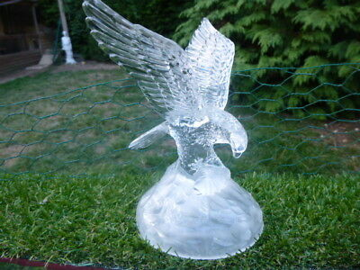 CRYSTAL d ARQUES * GLASS EAGLE ON A ROCK * STUNNING & LOVELY ITEM * BARGAIN