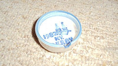 M.A. Hadley Louisville KY 1982 KY Derby Stoneware Ashtray 3 inch diameter